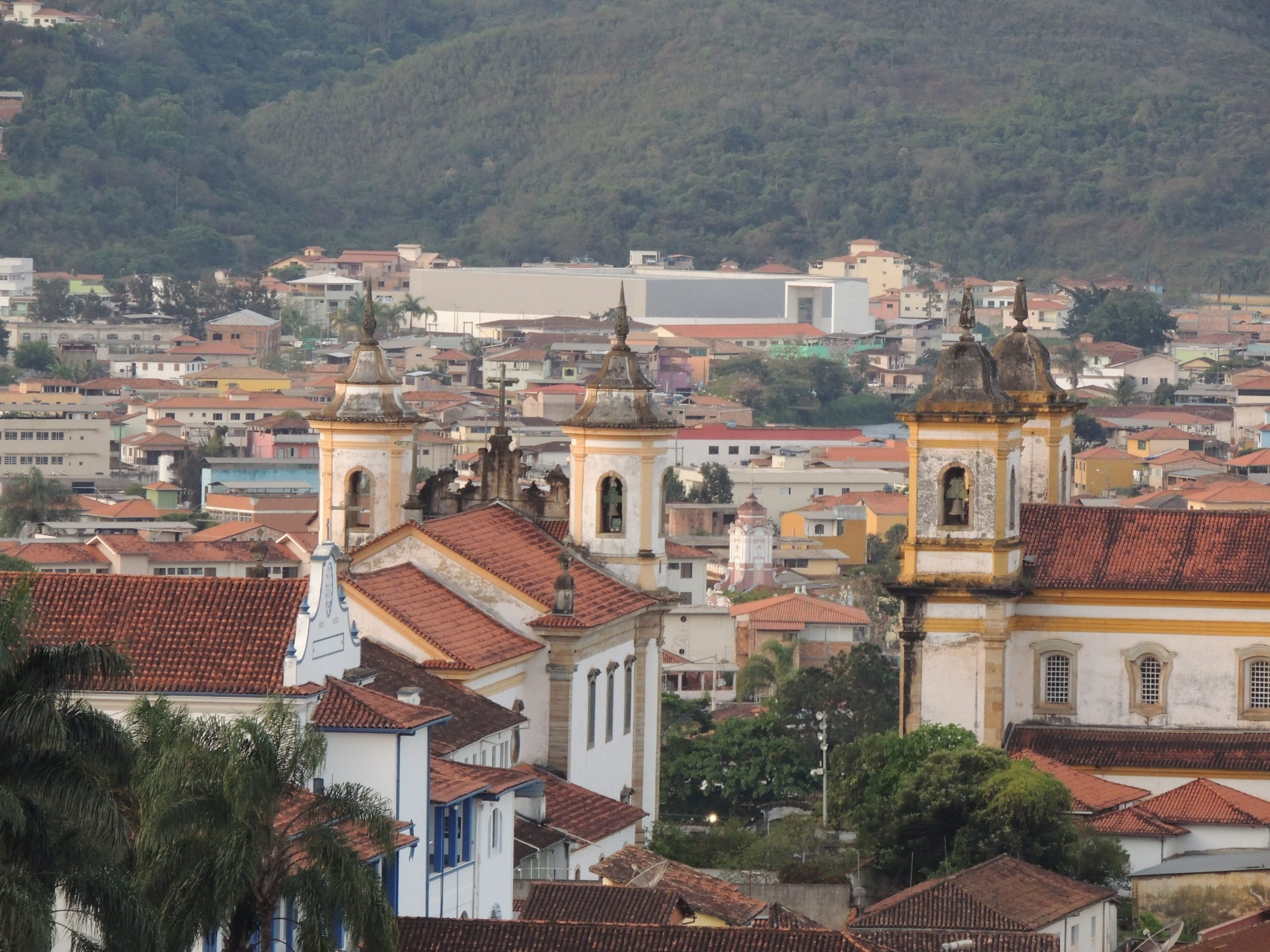 Prefeitura de Mariana divulga Processo Seletivo com 107 vagas para área da Saúde