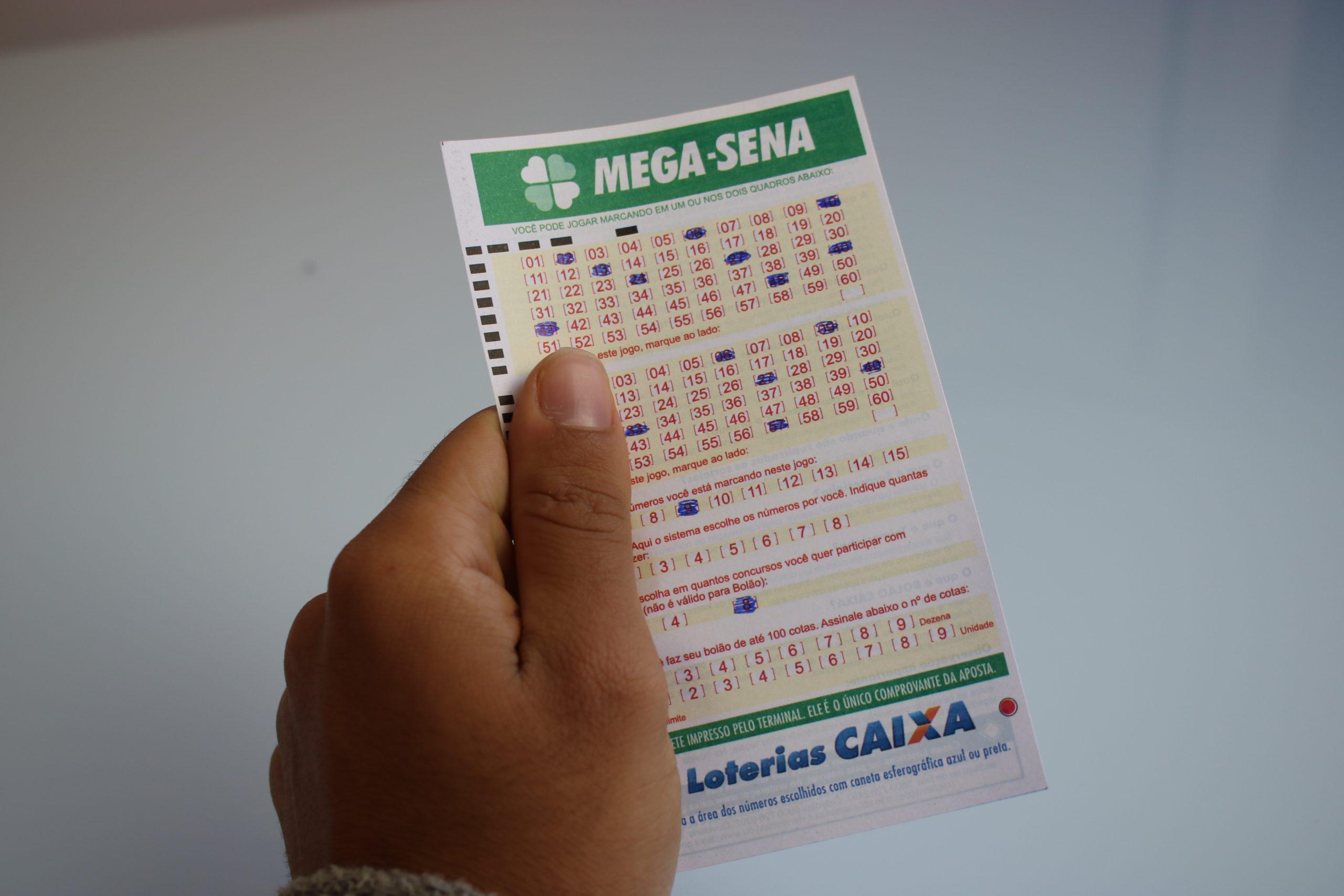 Mega-Sena, concurso 2410: sorteio pode pagar R$ 23,5 milhões neste sábado (18/9)