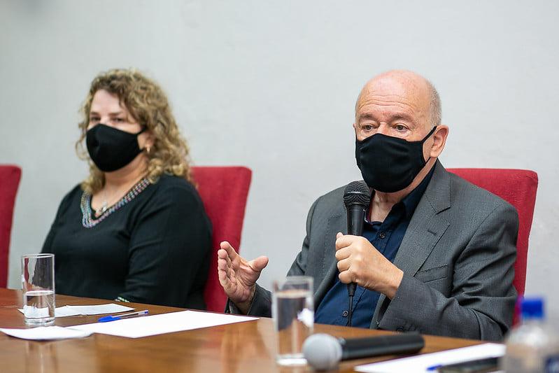 """""""Não tenho medo de impeachment"""", diz Angelo Oswaldo após entrega do relatório da CPI Saneouro"""