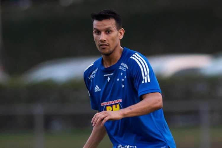 Quem fica? Cruzeiro tem 15 jogadores em fim de contrato