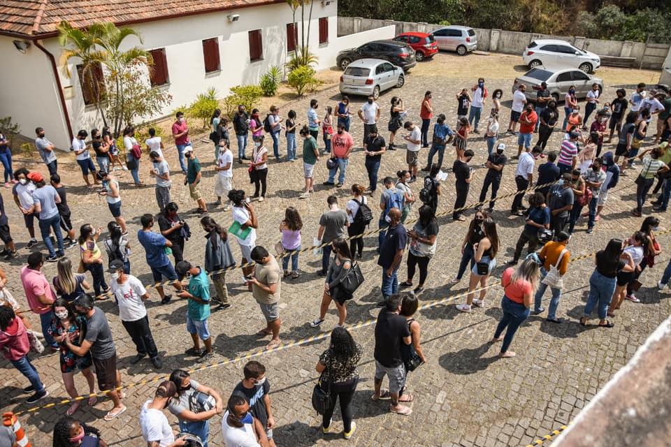 Ouro Preto vacina adolescentes de 15 anos com a primeira dose contra a Covid nesta quarta