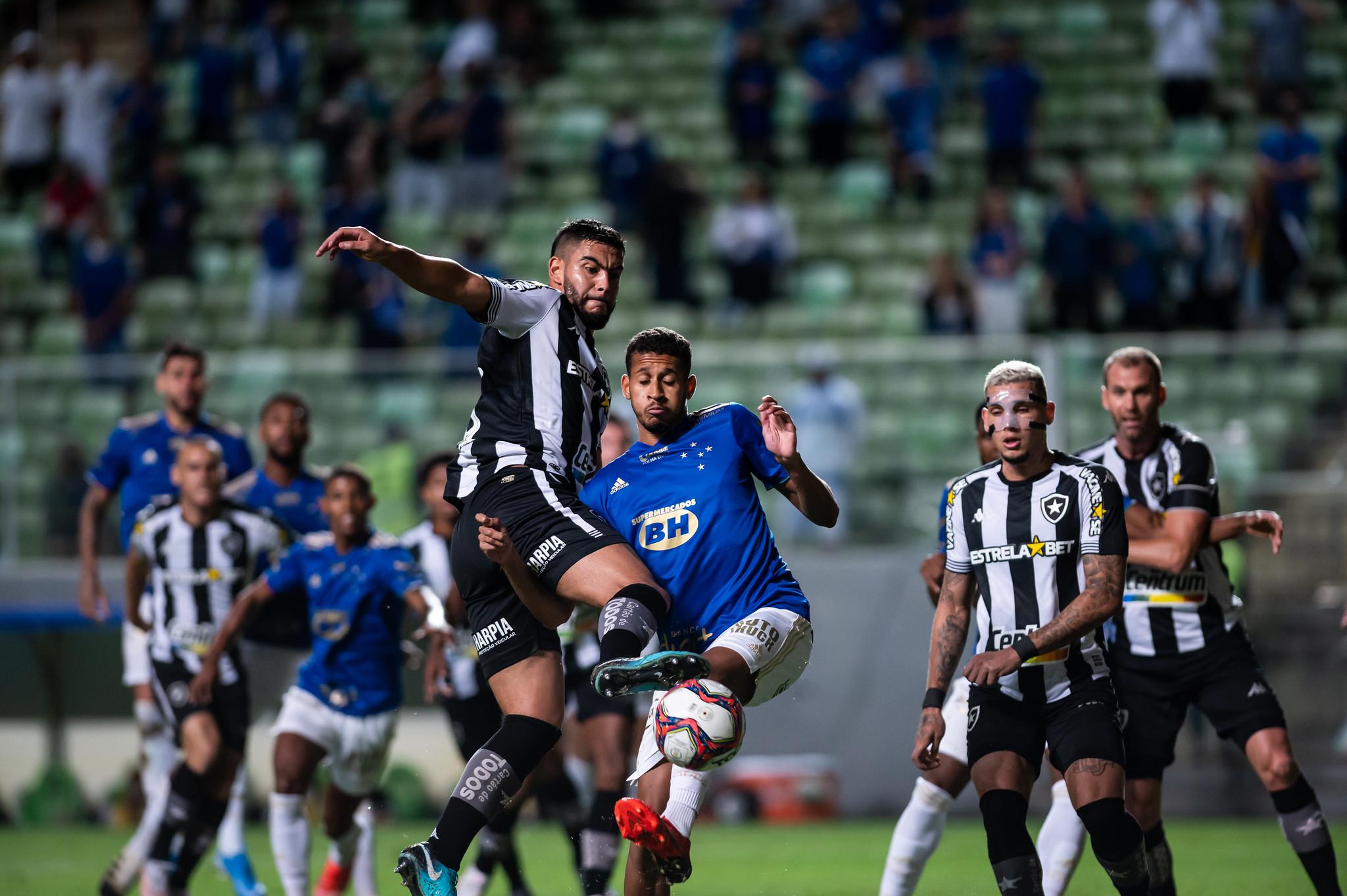 Inédito! Cruzeiro passa três jogos seguidos sem sofrer gols na Série B