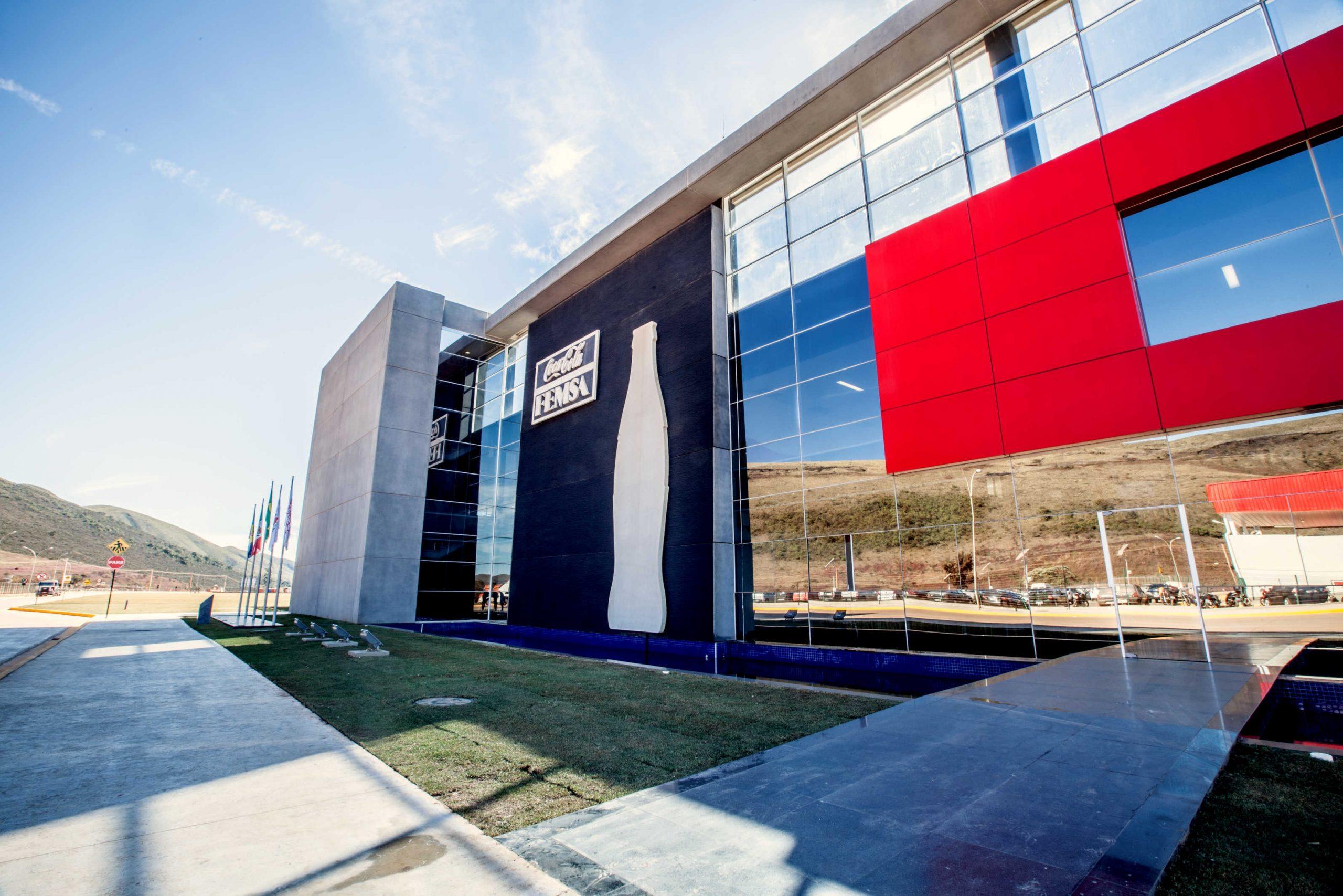 Coca-Cola FEMSA abre vagas em Itabirito e Mariana
